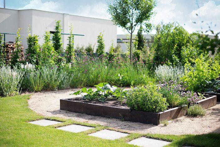Práce zahradních architektů z atelieru Flera se vyznačuje smyslem pro kompozici i kombinaci zeleně