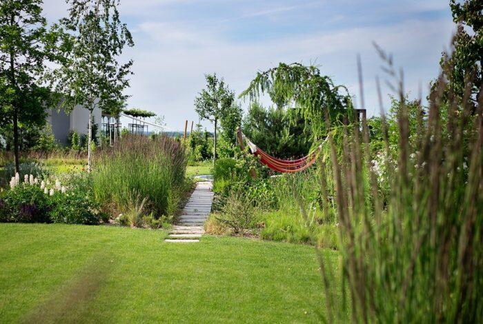 Atelier Flera produkuje nejmodernější designové zahrady jako je například projekt s názvem Zahrada s lehkostí