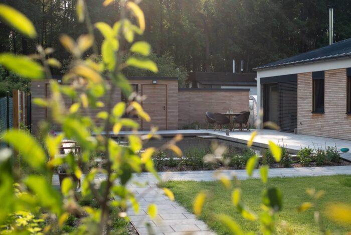 Vítězem soutěže v zahradní architektuře s názvem Koupací jezírko 2019 se stal atelier Flera